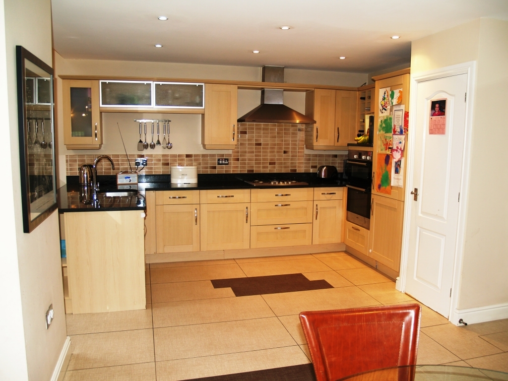 4 bedroom semi detached house Application Made in Solihull - photograph 5.