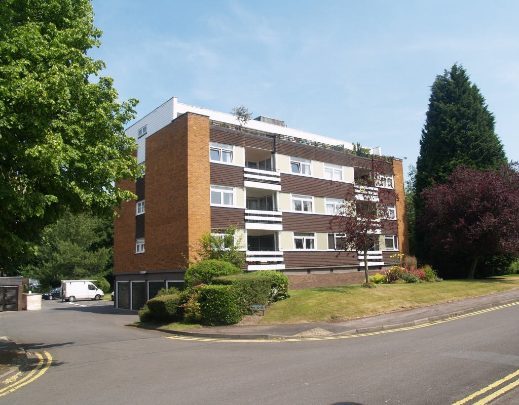 3 bedroom first floor apartment SSTC in Solihull - Main Image.