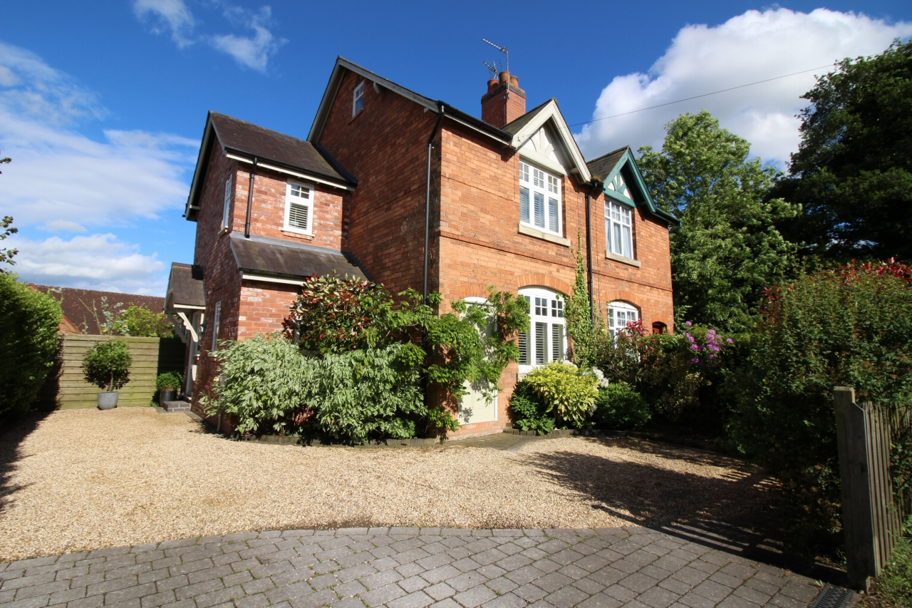 3 bedroom semi detached house SSTC in Solihull - photograph 1.