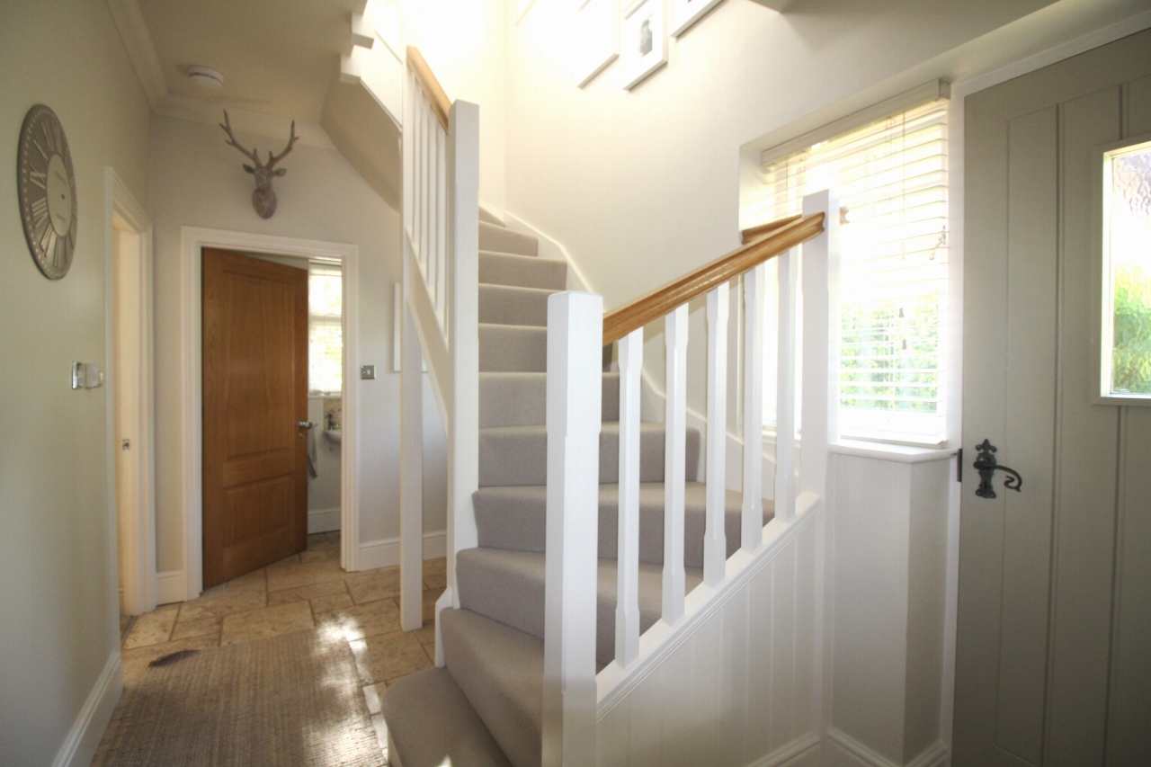 3 bedroom semi detached house SSTC in Solihull - photograph 7.
