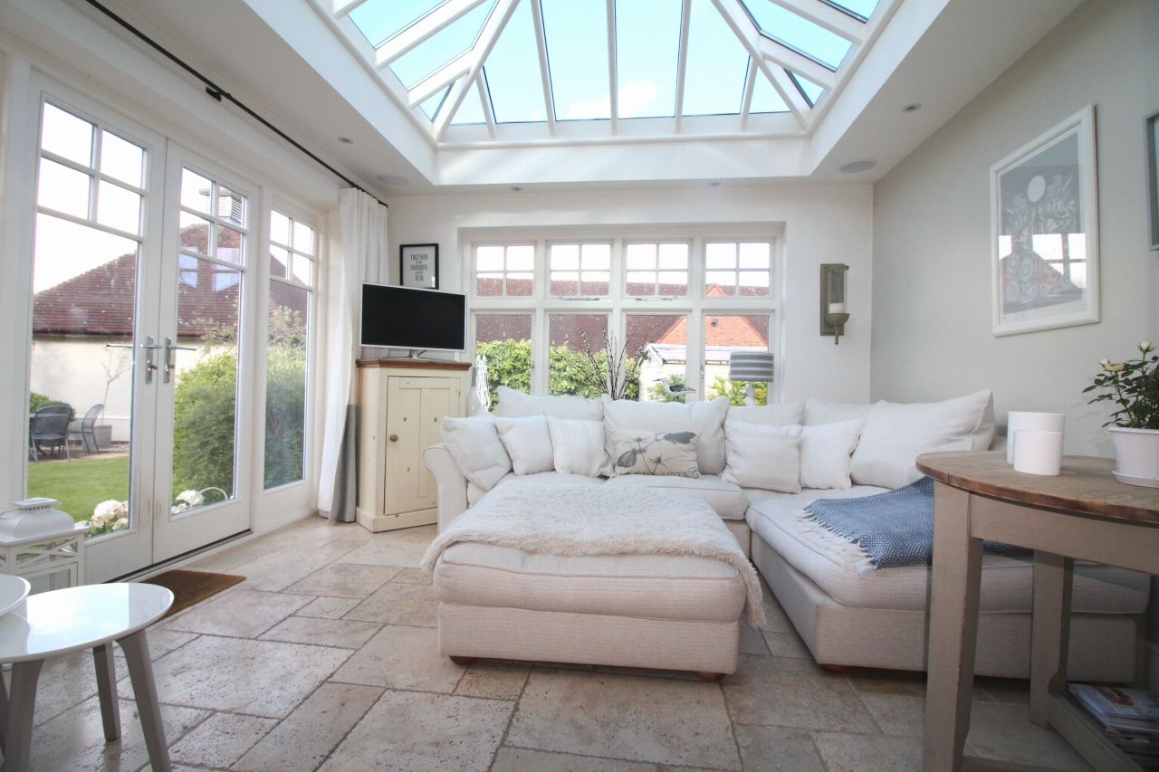 3 bedroom semi detached house SSTC in Solihull - photograph 6.