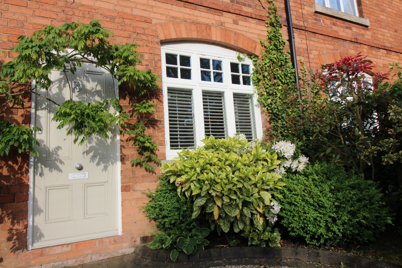 3 bedroom semi detached house SSTC in Solihull - photograph 17.