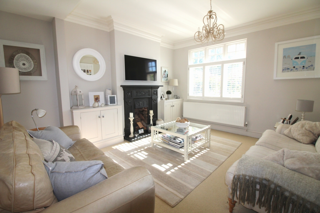 3 bedroom semi detached house SSTC in Solihull - photograph 8.