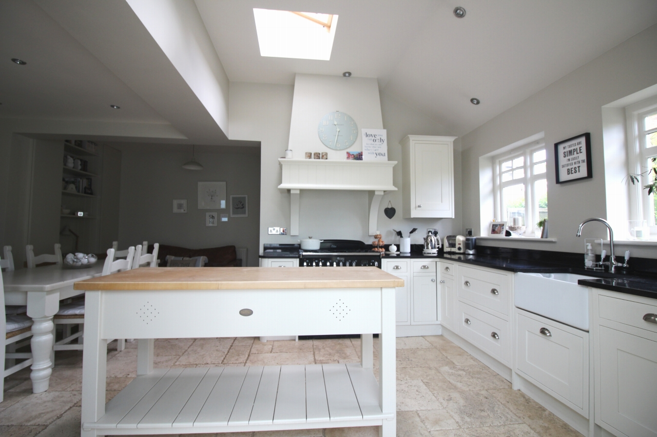 3 bedroom semi detached house SSTC in Solihull - photograph 3.