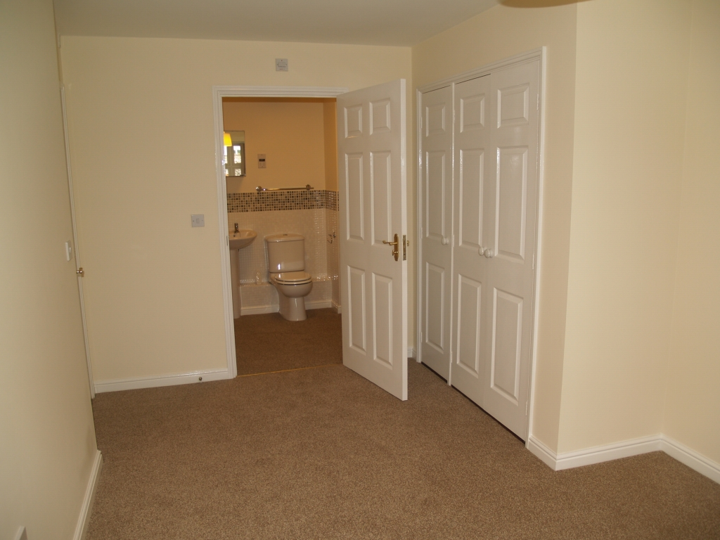 2 bedroom ground floor apartment Application Made in Solihull - photograph 4.