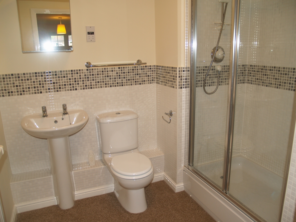 2 bedroom ground floor apartment Application Made in Solihull - photograph 6.