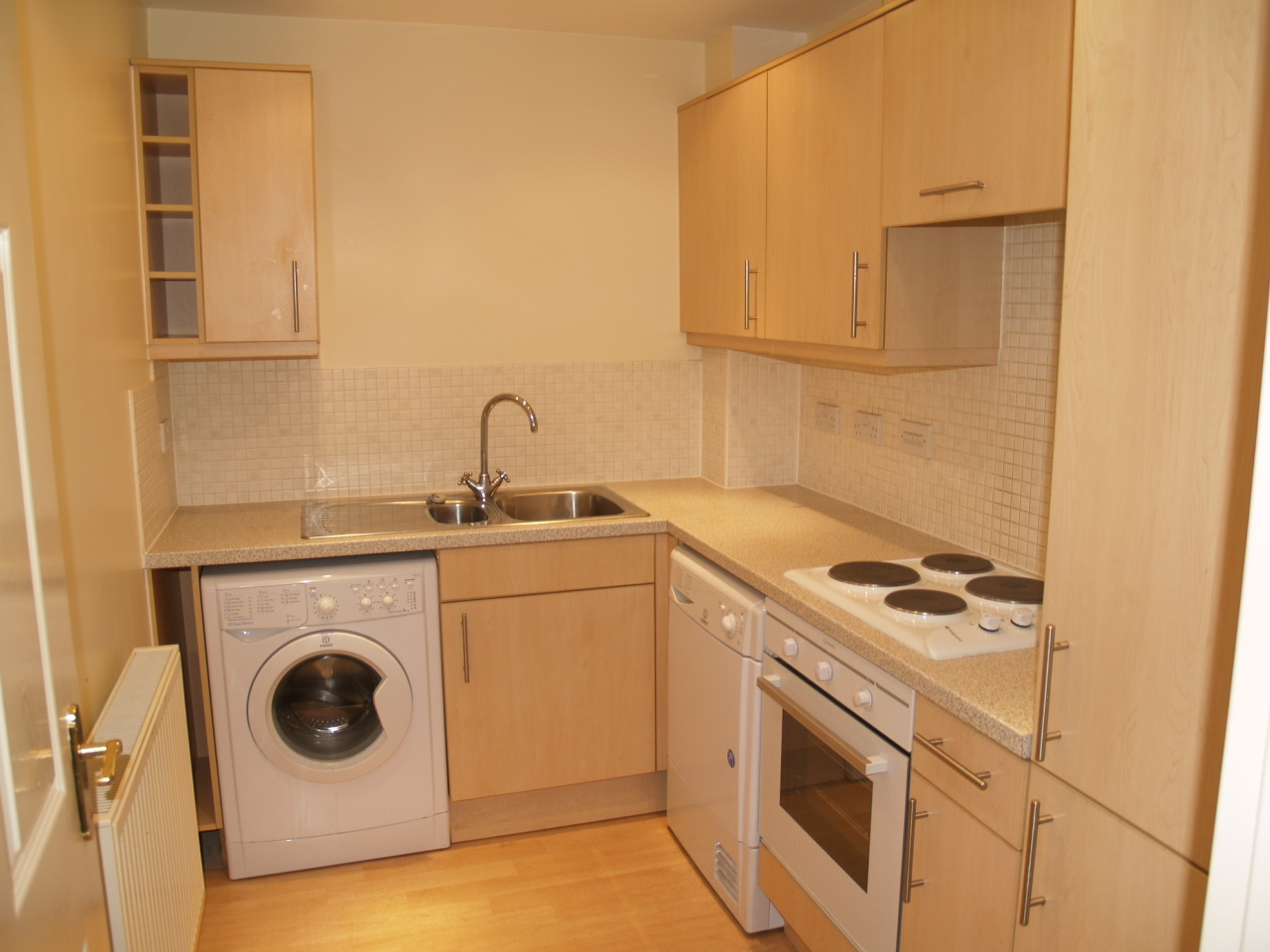 2 bedroom ground floor apartment Application Made in Solihull - photograph 2.