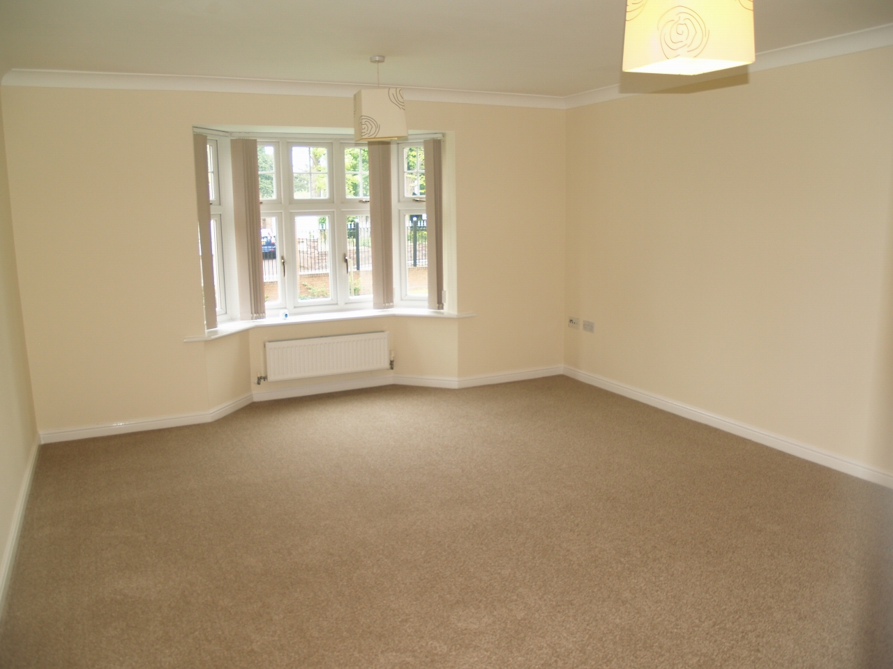 2 bedroom ground floor apartment Application Made in Solihull - photograph 3.