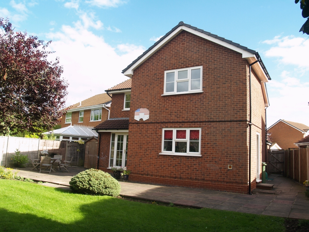 4 bedroom detached house SSTC in Solihull - photograph 17.
