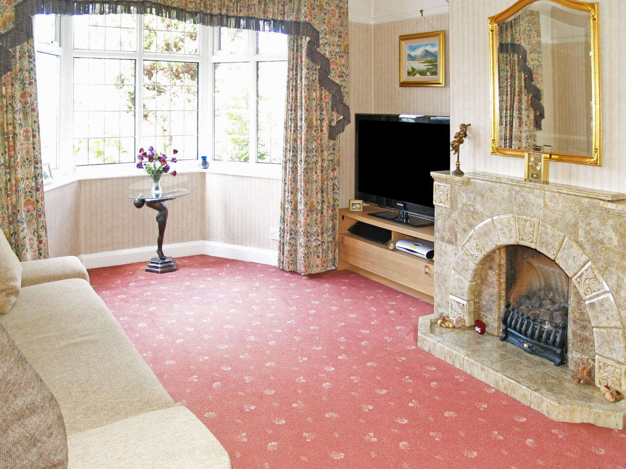 6 bedroom semi detached house SSTC in Solihull - photograph 7.