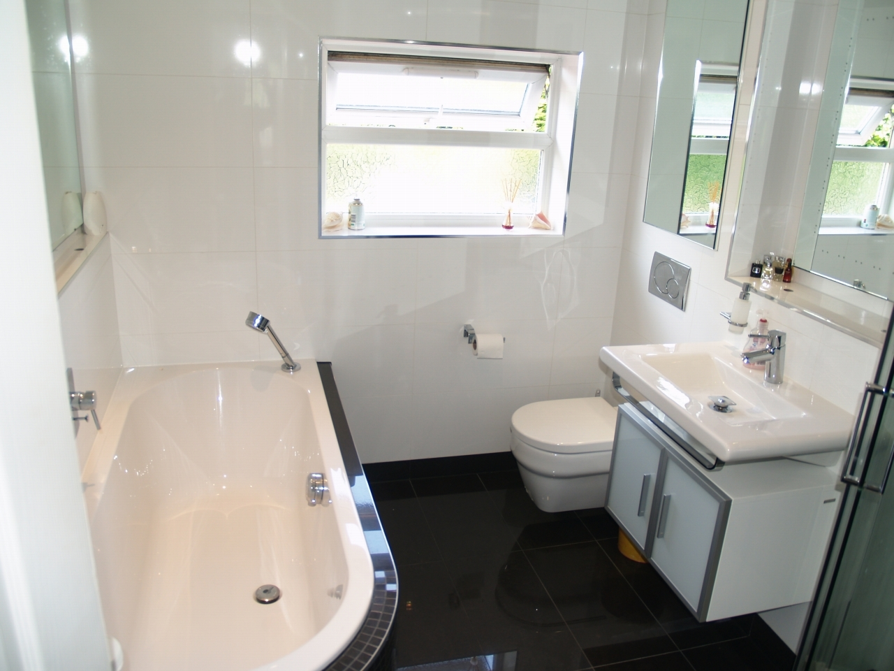 4 bedroom semi detached house Application Made in Solihull - photograph 3.