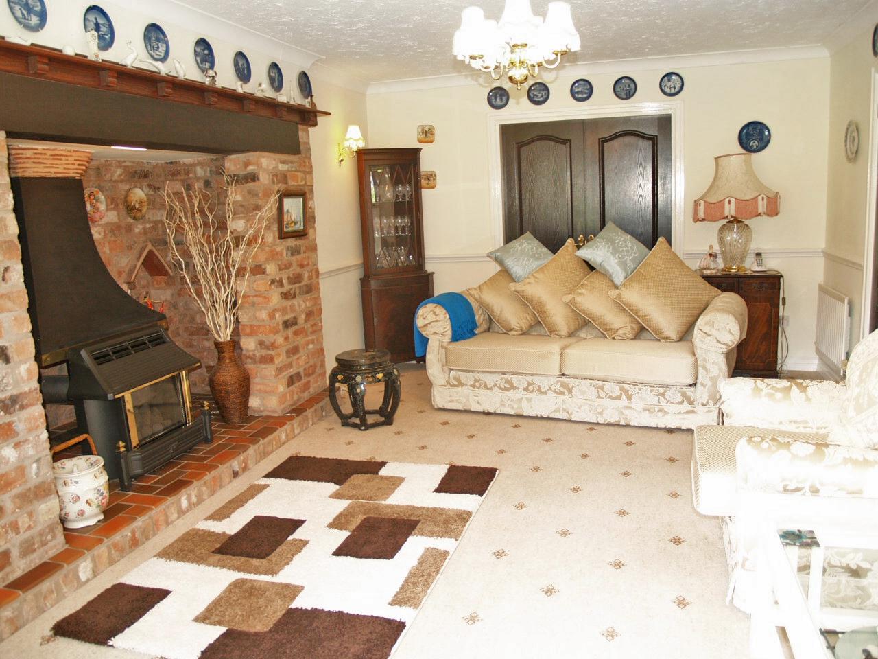4 bedroom detached house SSTC in Birmingham - photograph 5.