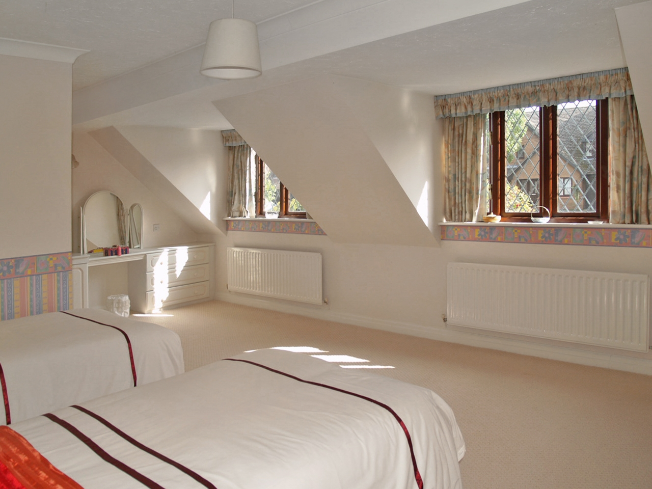 4 bedroom detached house SSTC in Birmingham - photograph 11.