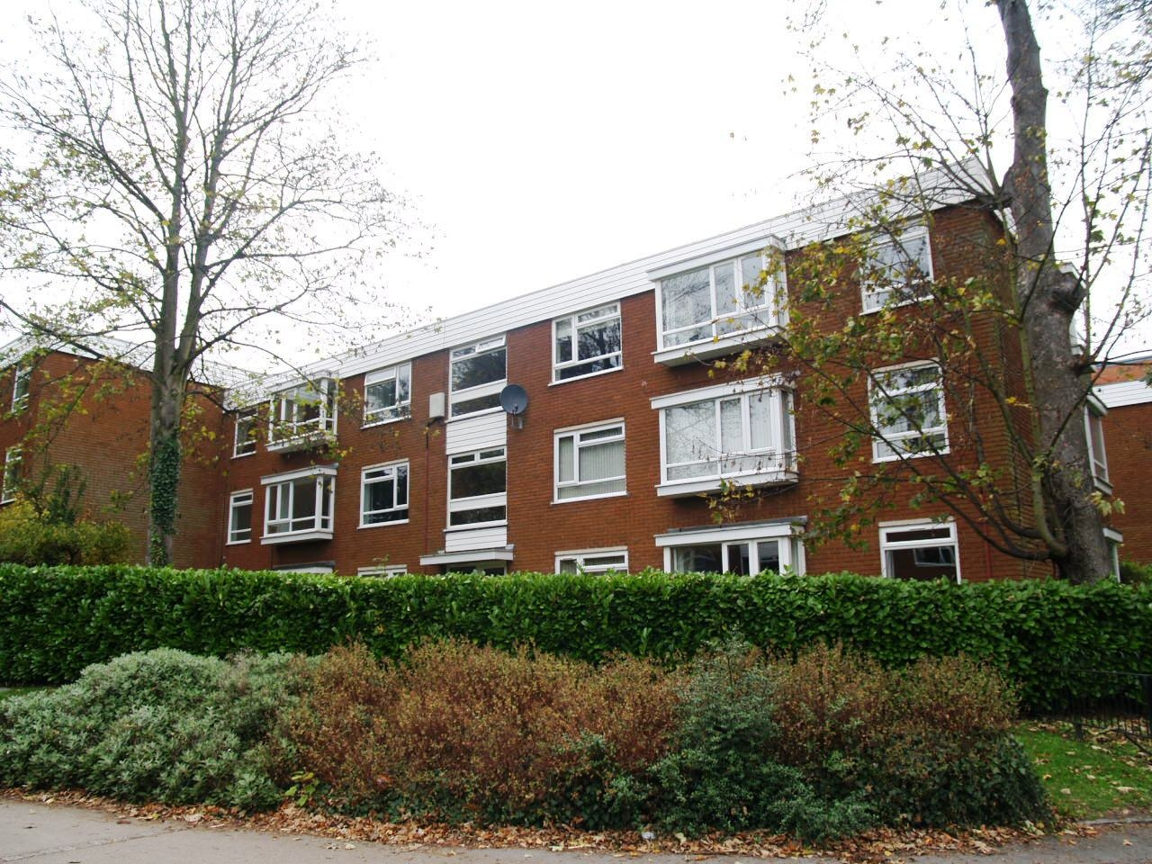 2 bedroom second floor apartment Application Made in Solihull - photograph 11.