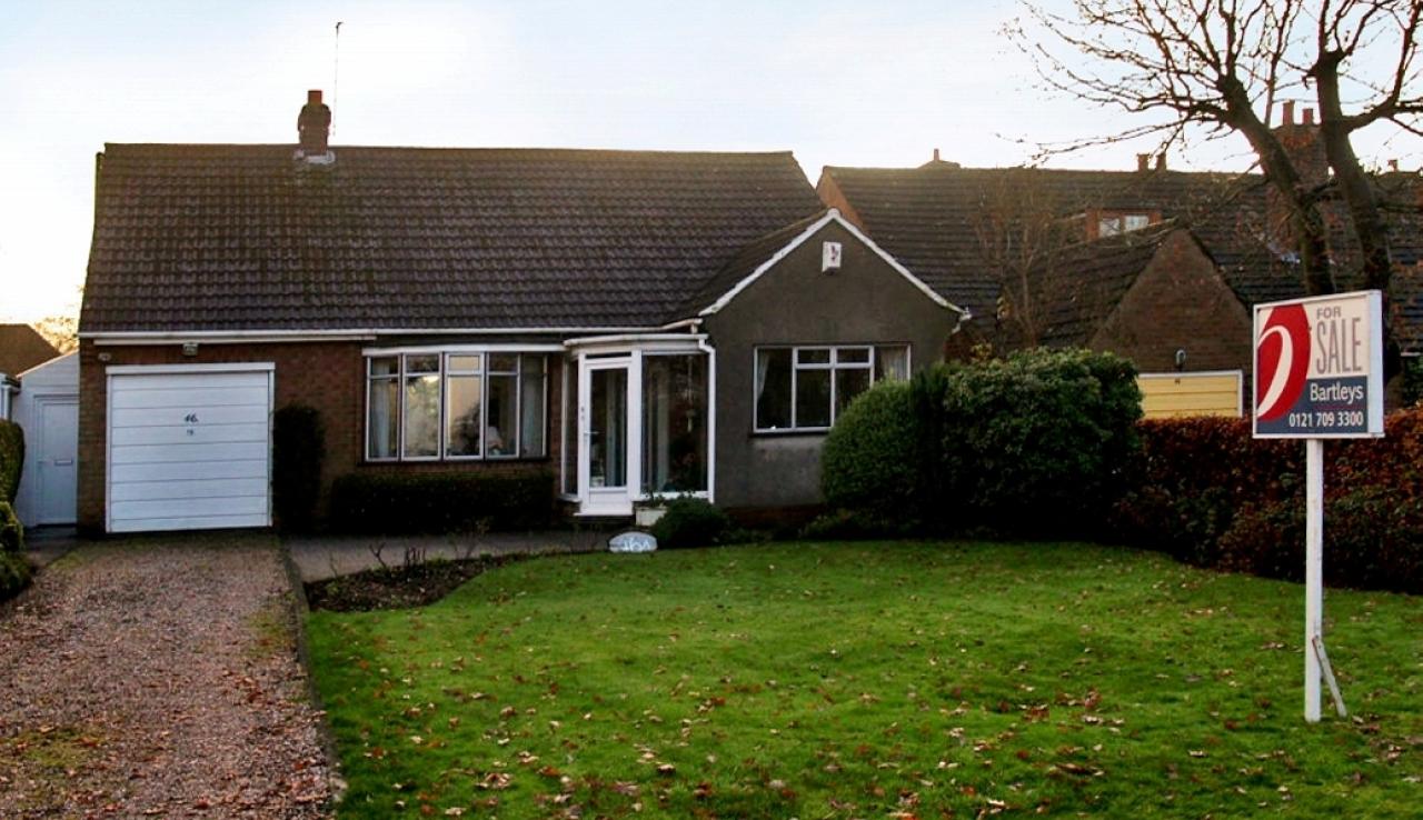 2 bedroom detached bungalow SSTC in Birmingham - Main Image.