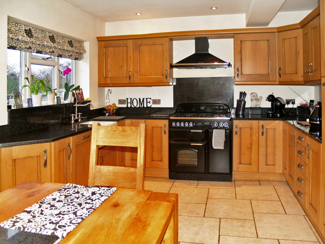 5 bedroom semi detached house SSTC in Solihull - photograph 6.