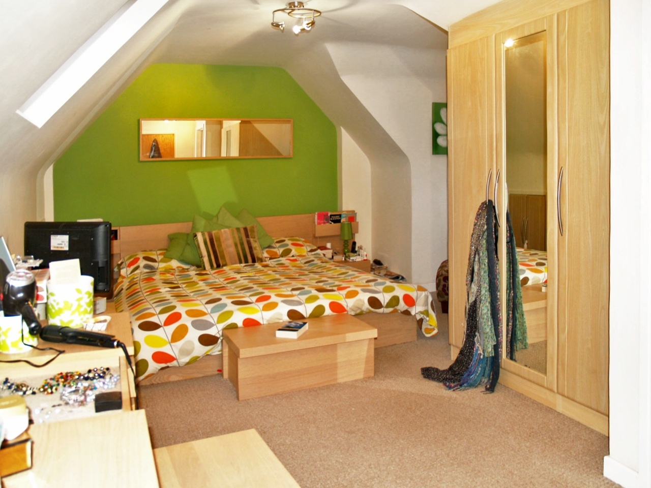 5 bedroom semi detached house SSTC in Solihull - photograph 8.