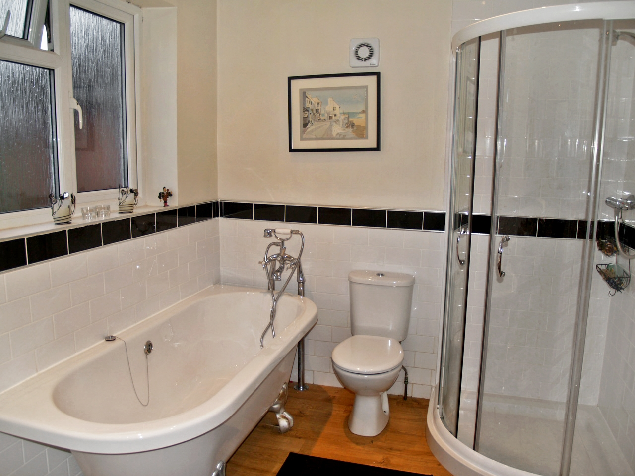 5 bedroom semi detached house SSTC in Solihull - photograph 9.