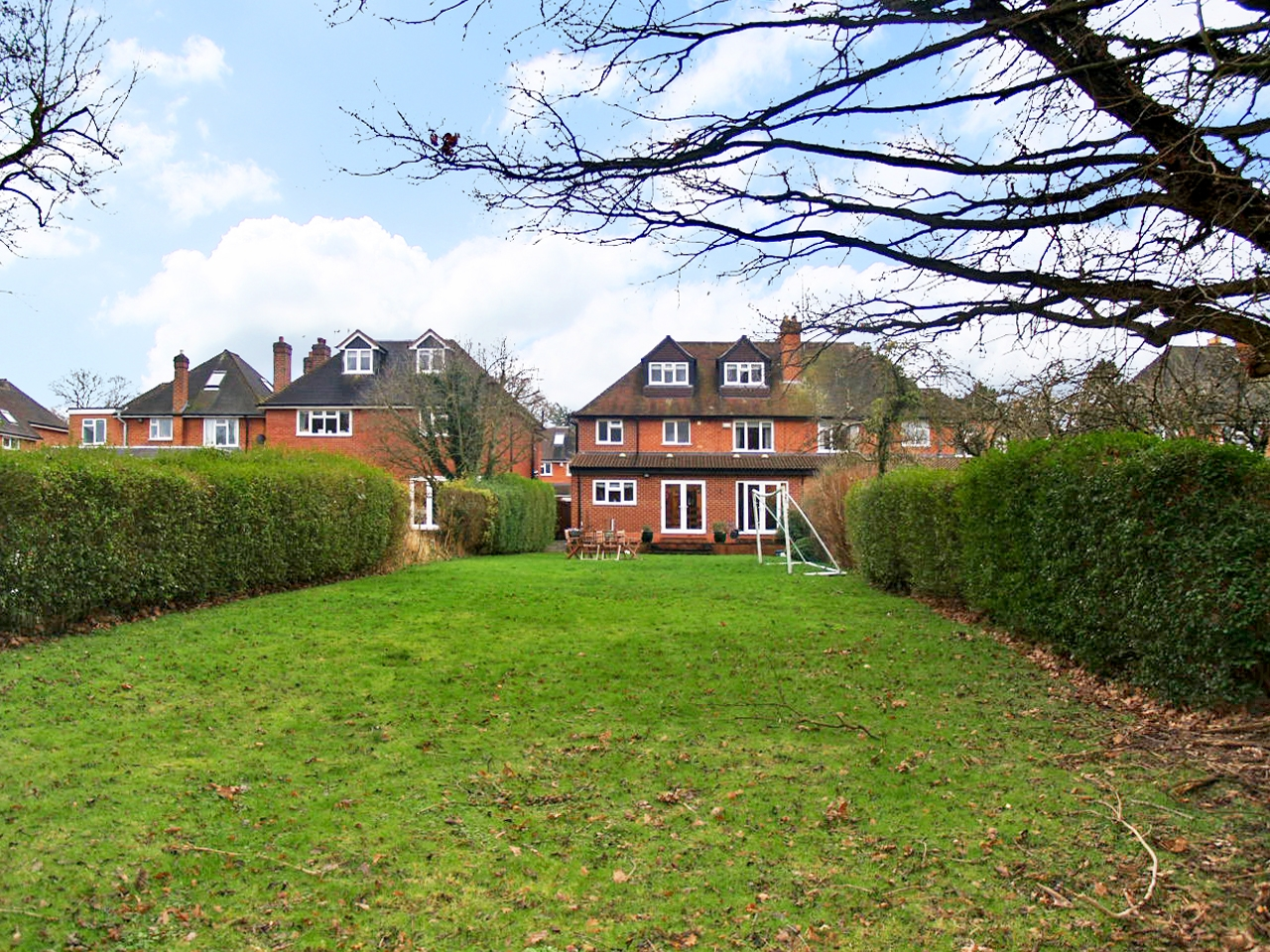 5 bedroom semi detached house SSTC in Solihull - photograph 11.