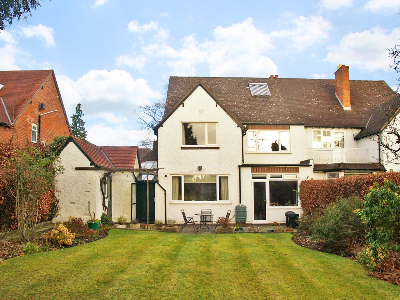 4 bedroom semi detached house SSTC in Solihull - photograph 9.