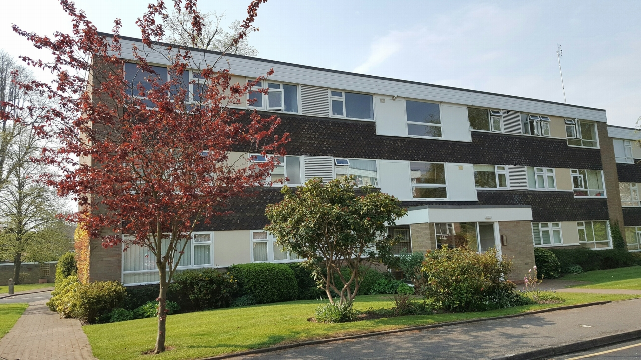 3 bedroom second floor apartment SSTC in Solihull - Main Image.