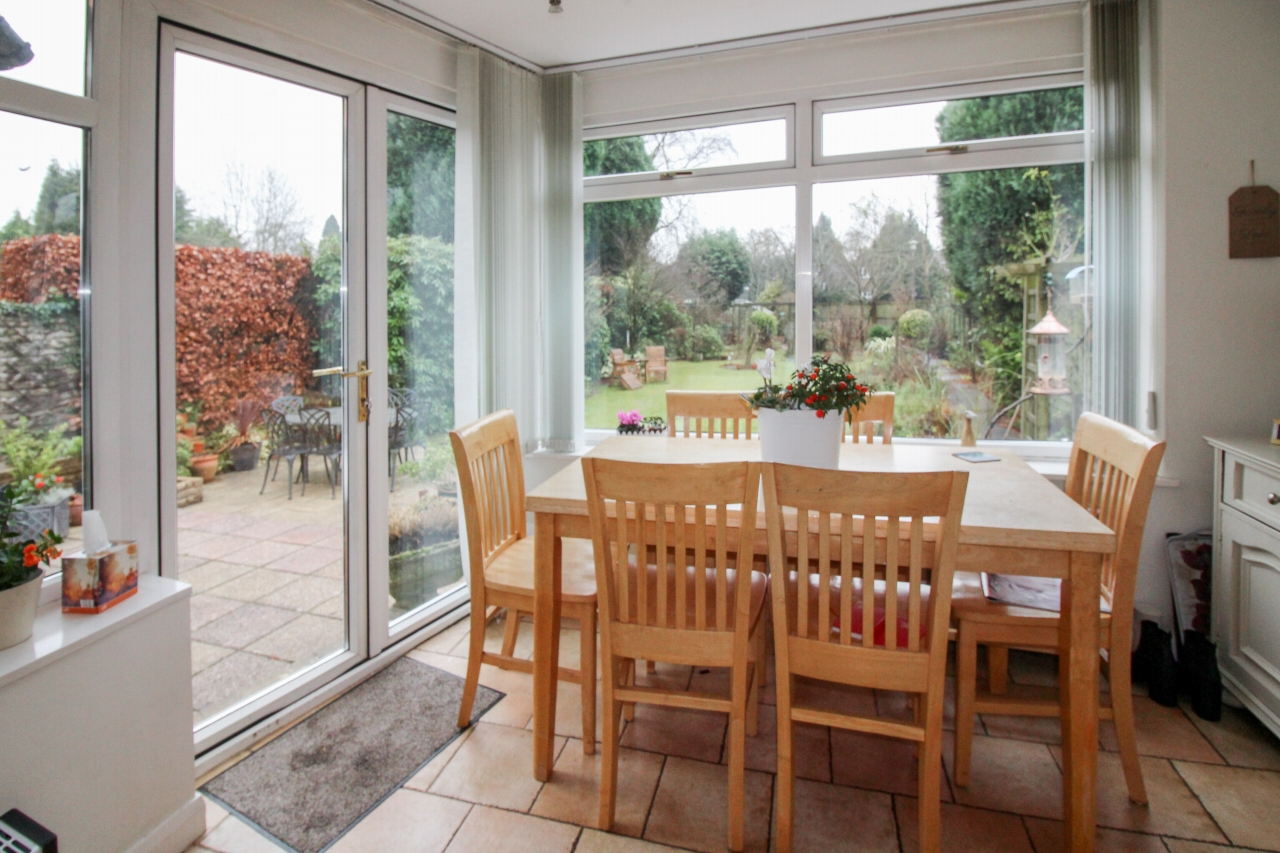 4 bedroom semi detached house SSTC in Solihull - photograph 7.