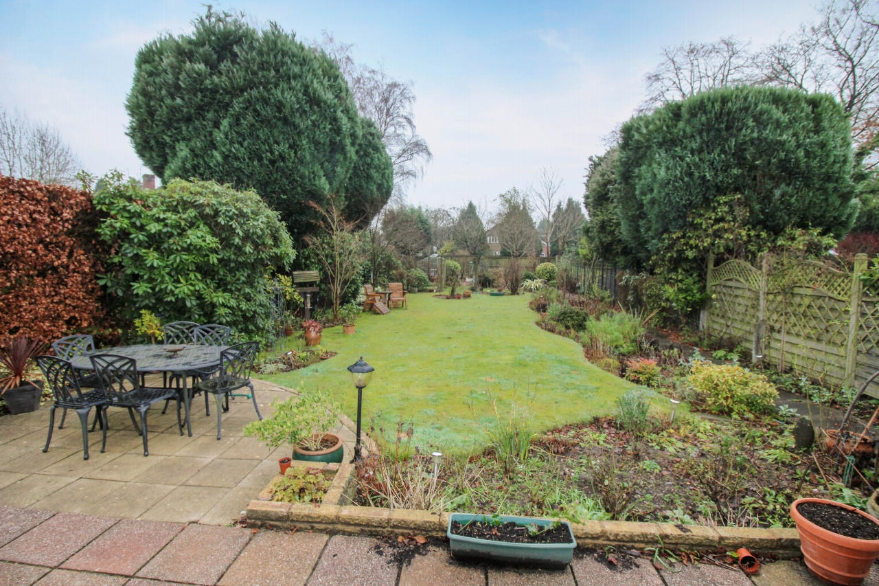 4 bedroom semi detached house SSTC in Solihull - photograph 2.
