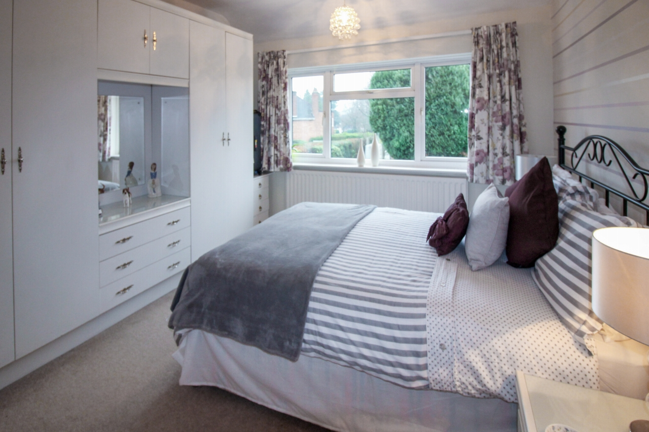 4 bedroom semi detached house SSTC in Solihull - photograph 12.