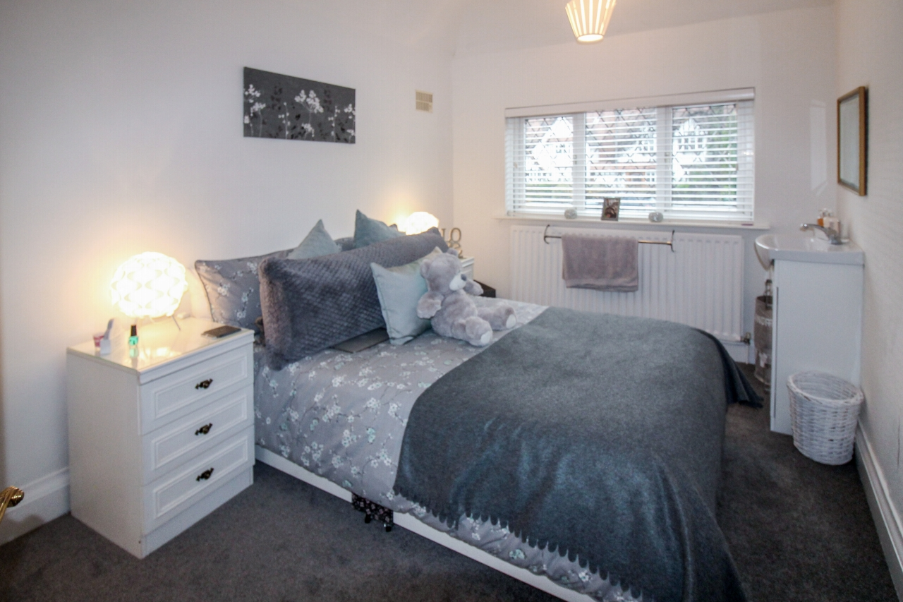 4 bedroom semi detached house SSTC in Solihull - photograph 13.