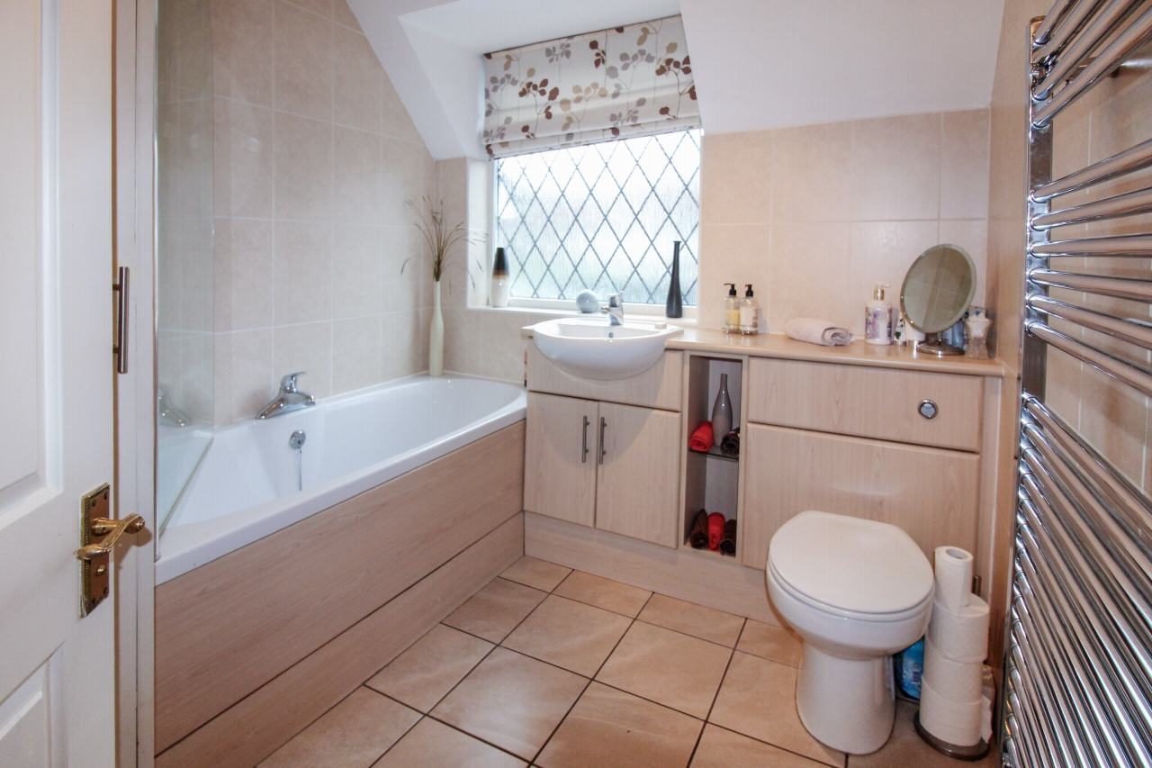 4 bedroom semi detached house SSTC in Solihull - photograph 15.