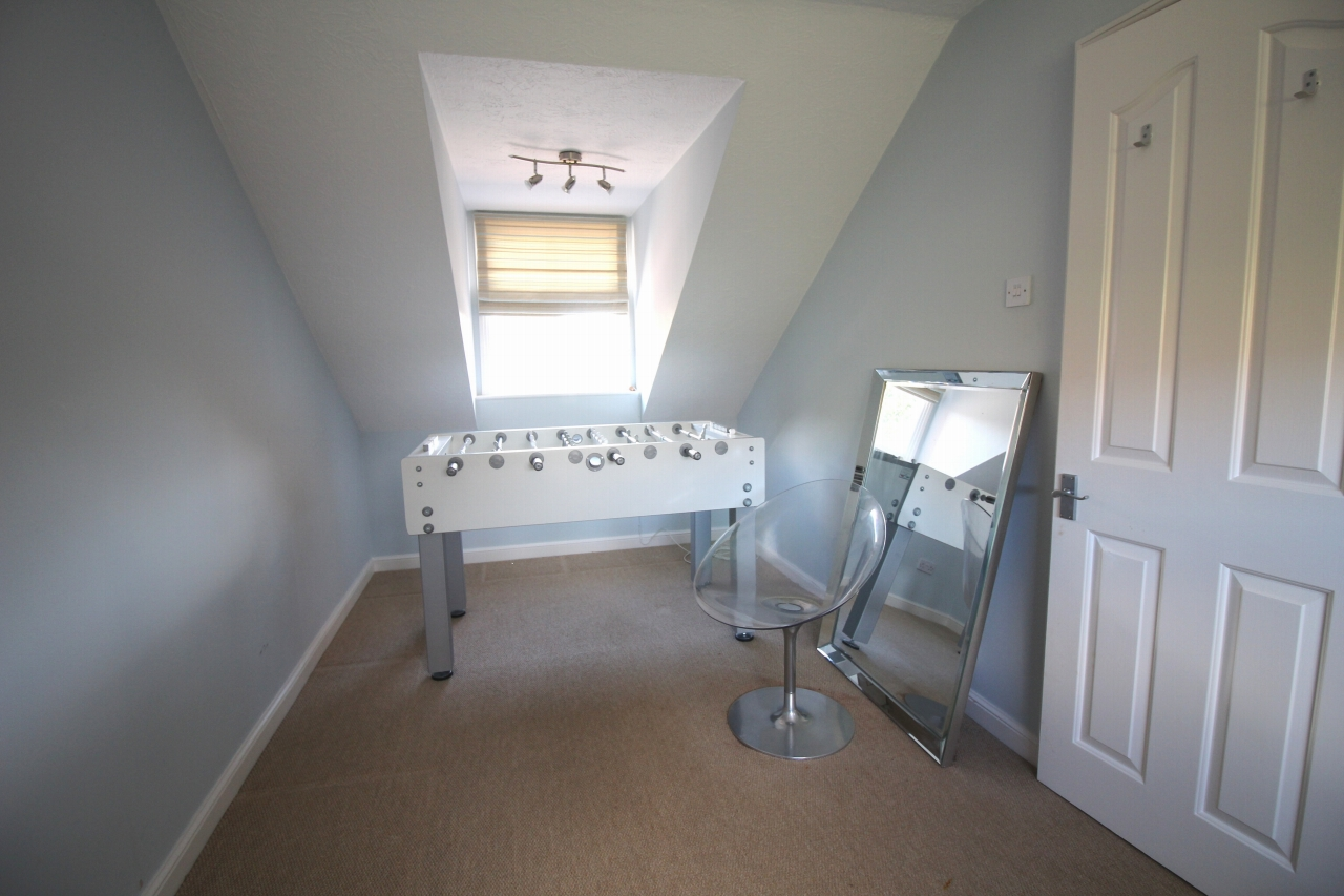 3 bedroom mid terraced house Application Made in Solihull - photograph 11.