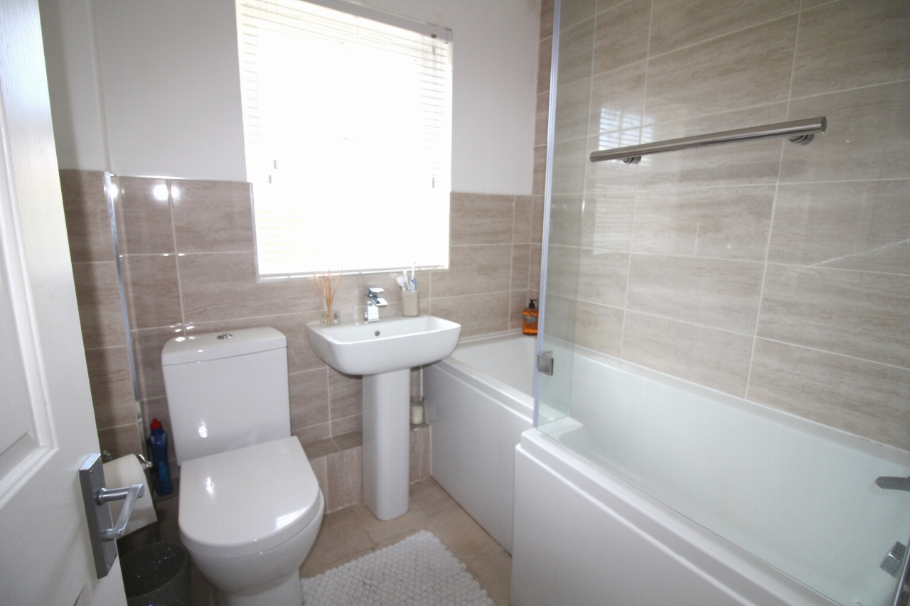 3 bedroom mid terraced house Application Made in Solihull - photograph 12.