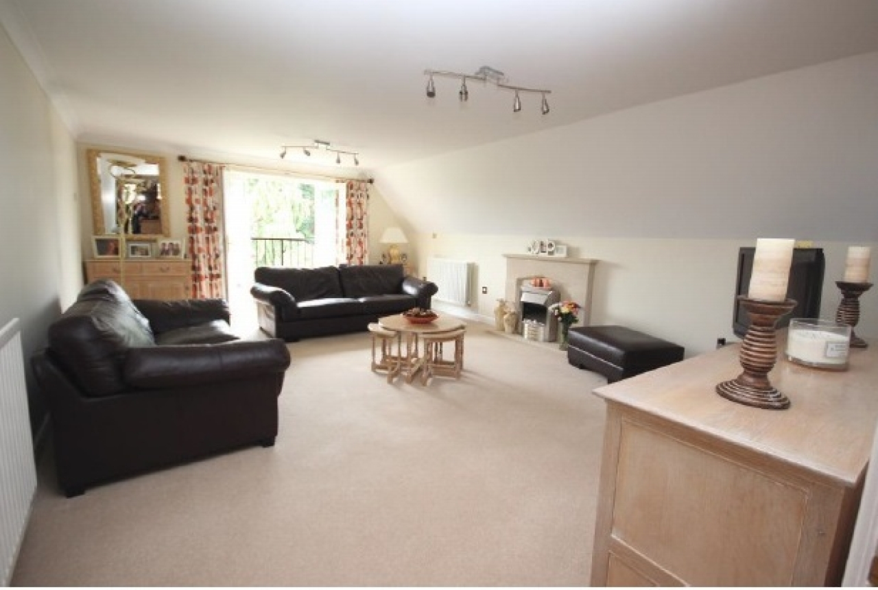 3 bedroom second floor apartment Application Made in Solihull - photograph 2.