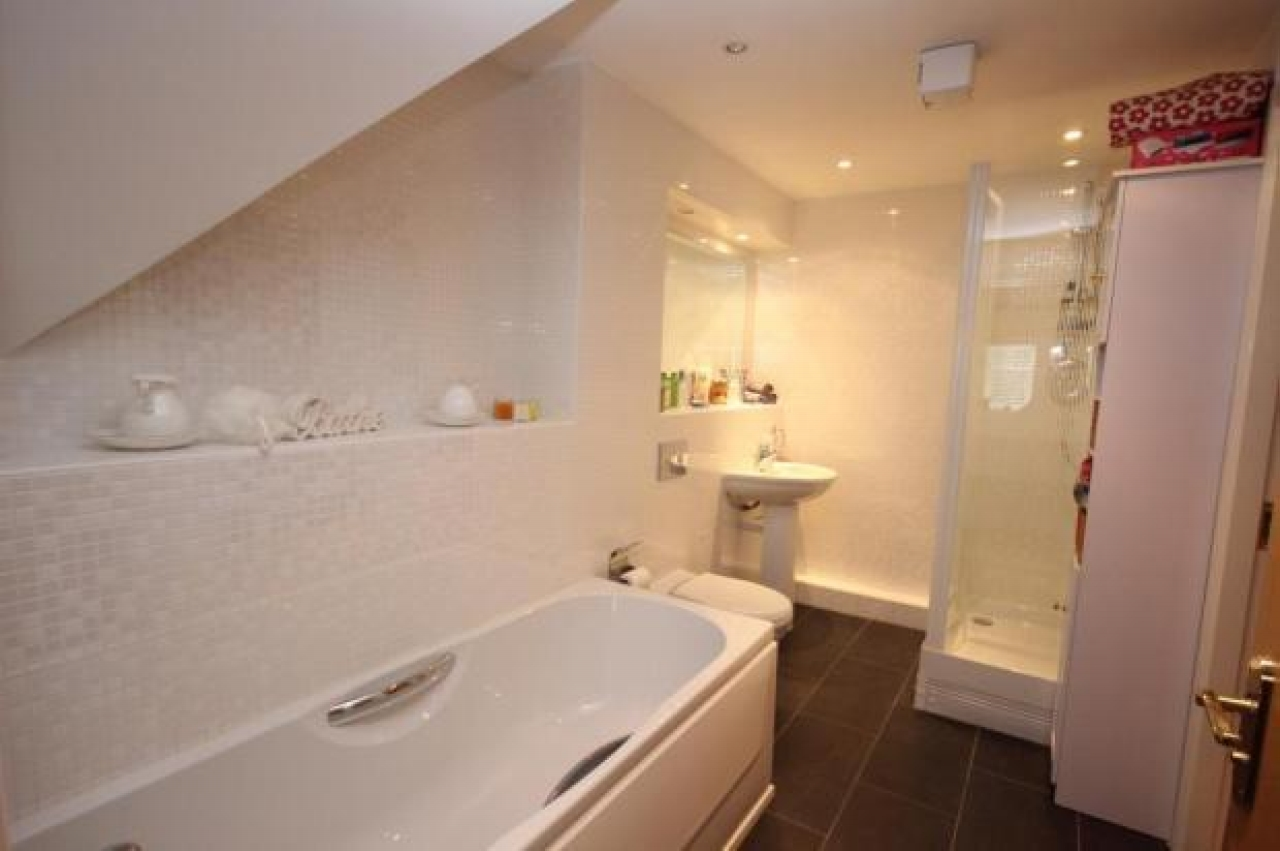 3 bedroom second floor apartment Application Made in Solihull - photograph 8.