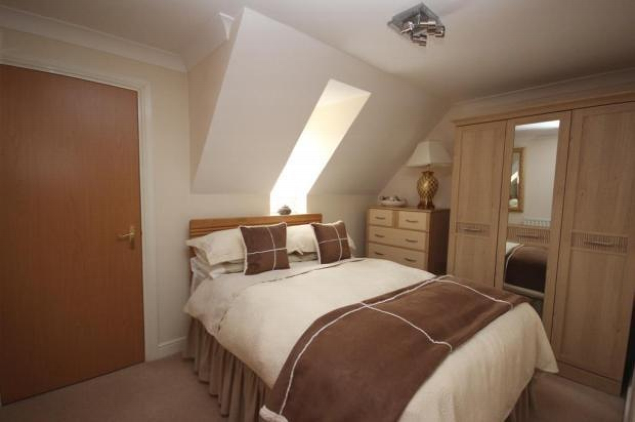 3 bedroom second floor apartment Application Made in Solihull - photograph 9.