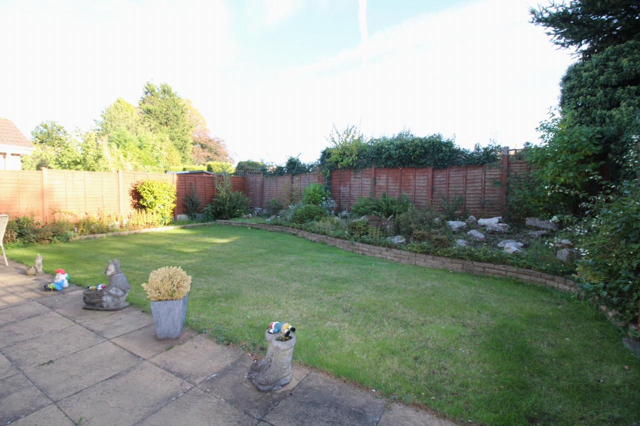 2 bedroom detached bungalow SSTC in Solihull - photograph 11.