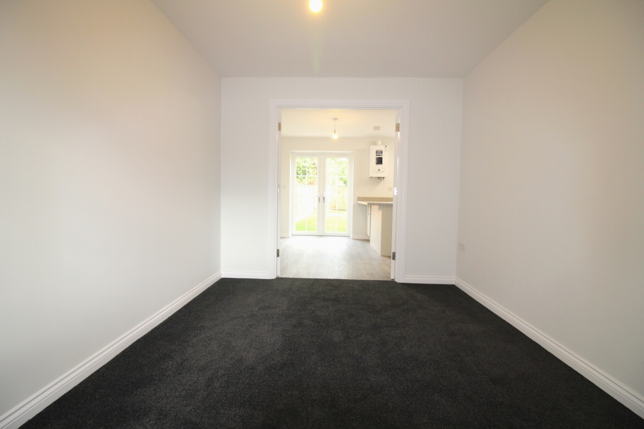 4 bedroom semi detached house Application Made in Birmaingham - photograph 5.