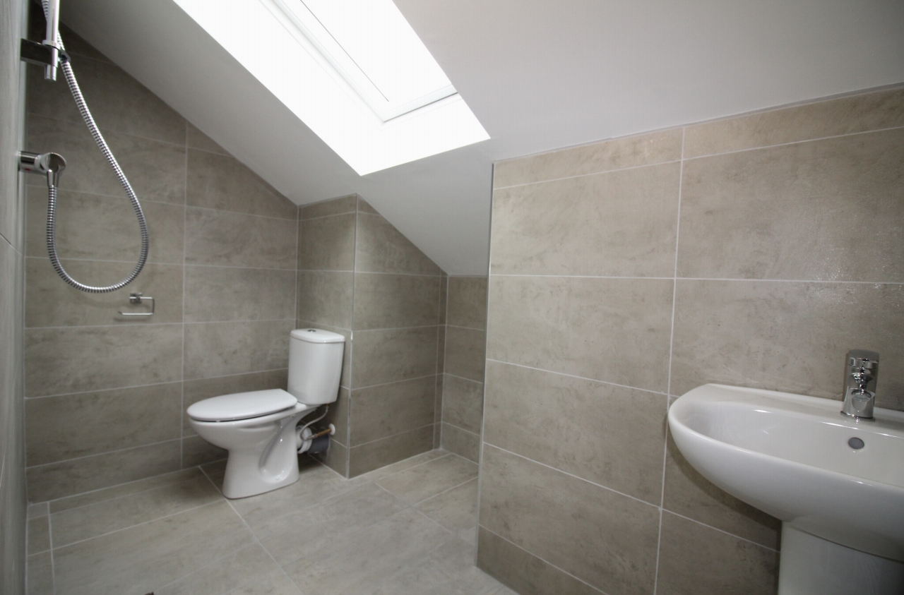 4 bedroom semi detached house Application Made in Birmaingham - photograph 8.
