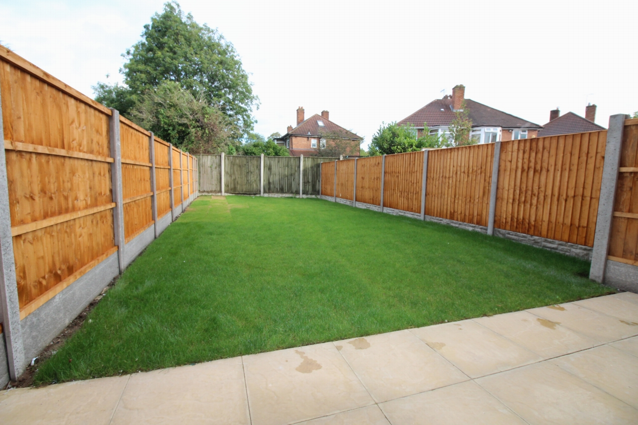 4 bedroom semi detached house Application Made in Birmaingham - photograph 11.