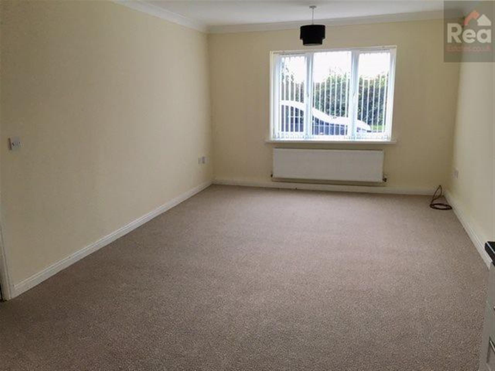 2 bedroom flat flat / apartment To Let in Tindale Crescent, Bishop Auckland - photograph 3.