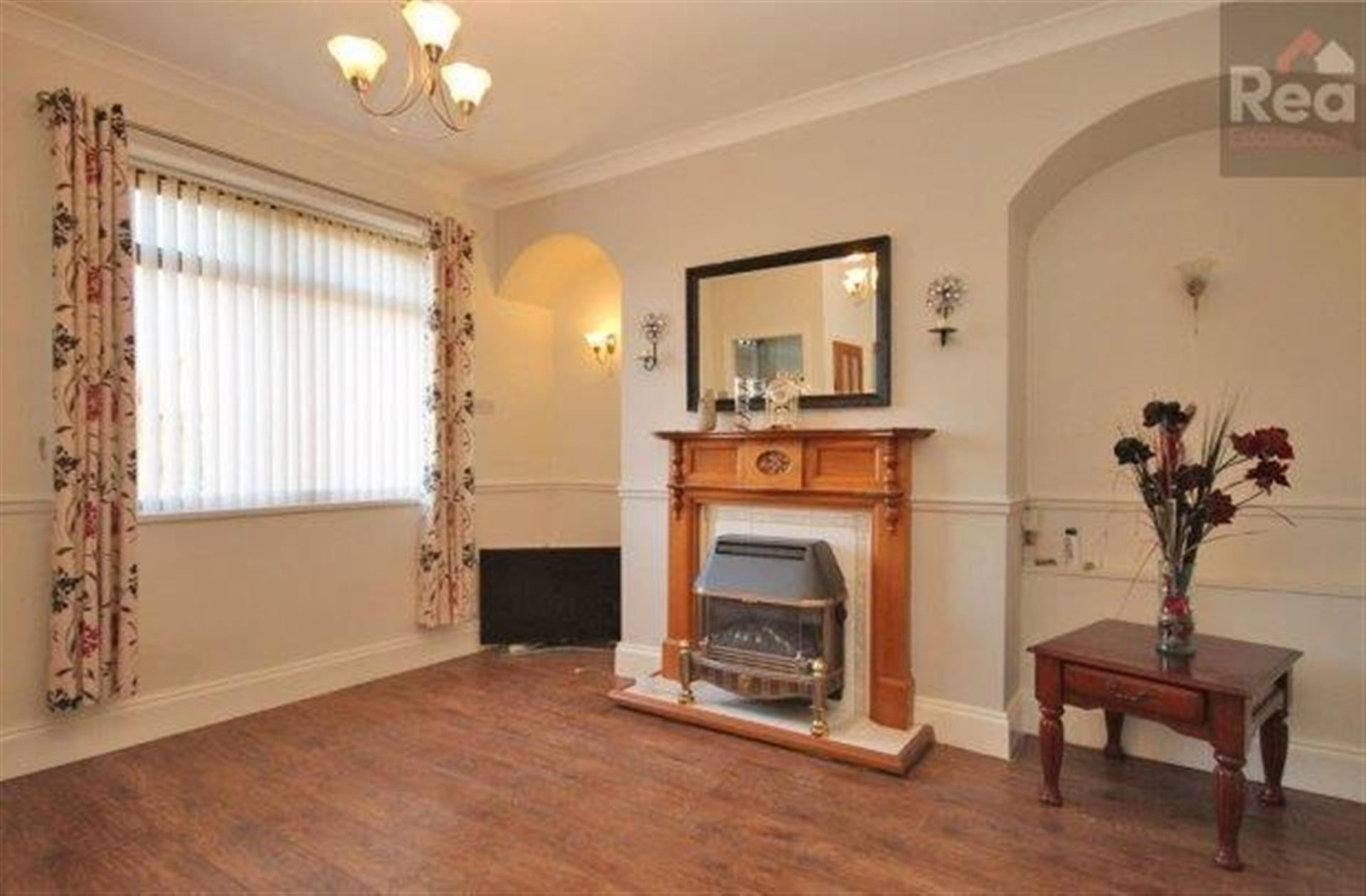 2 bedroom terraced house To Let in West Auckland - photograph 2.
