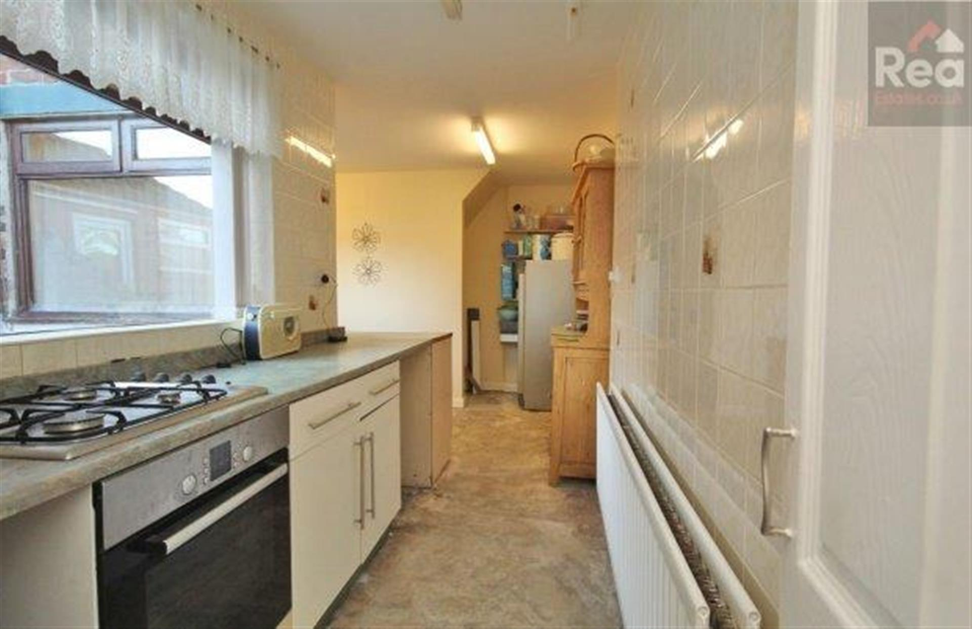 2 bedroom terraced house To Let in West Auckland - photograph 4.