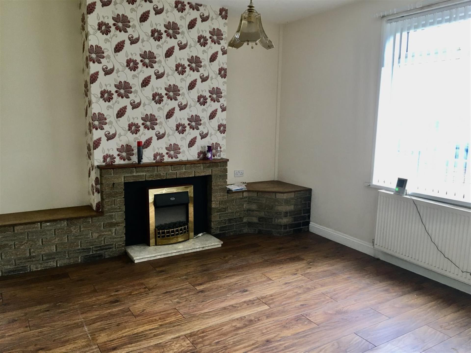 2 bedroom terraced house To Let in Bishop Auckland - photograph 2.