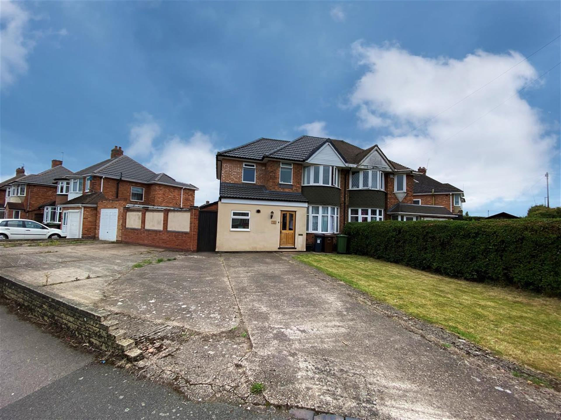 3 Bedroom Semi-detached House To Rent - Main Picture