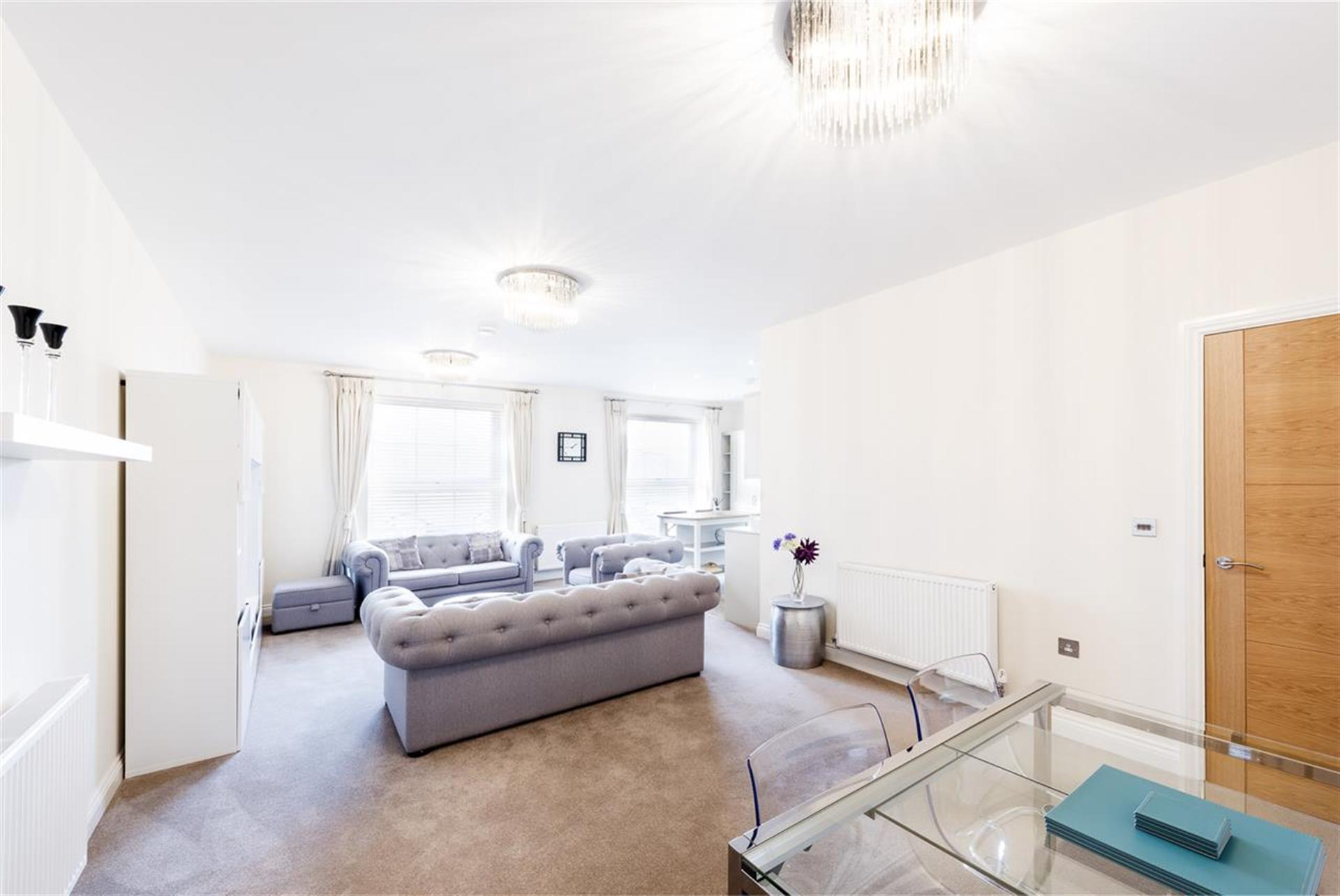 2 Bedroom Apartment Flat / Apartment To Rent - Image 8