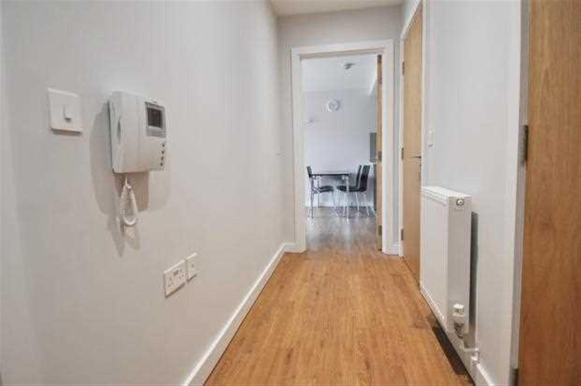 1 Bedroom Apartment Flat / Apartment For Sale - Image 7