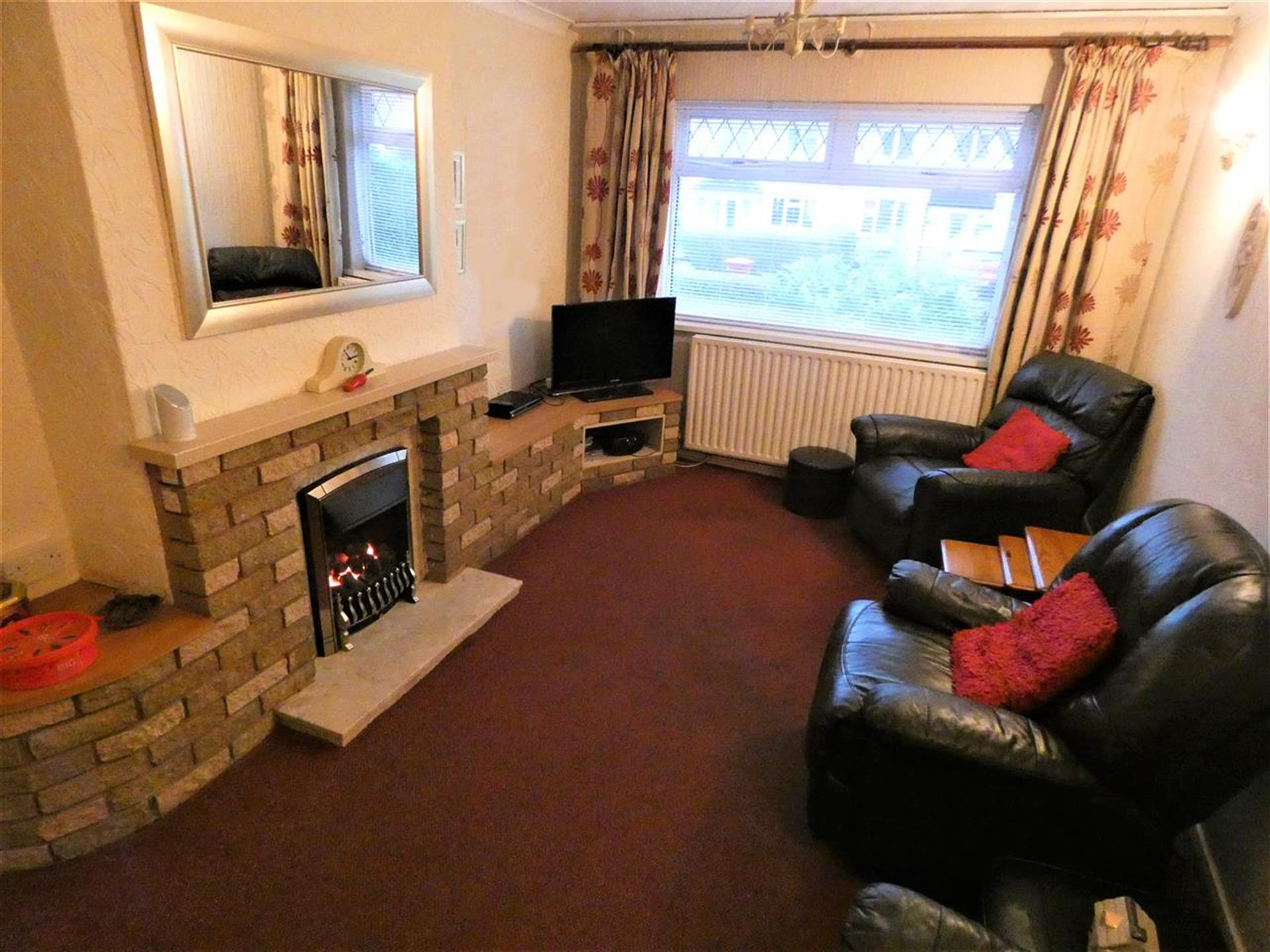 4 Bedroom End Terraced House For Sale - Reception Room One