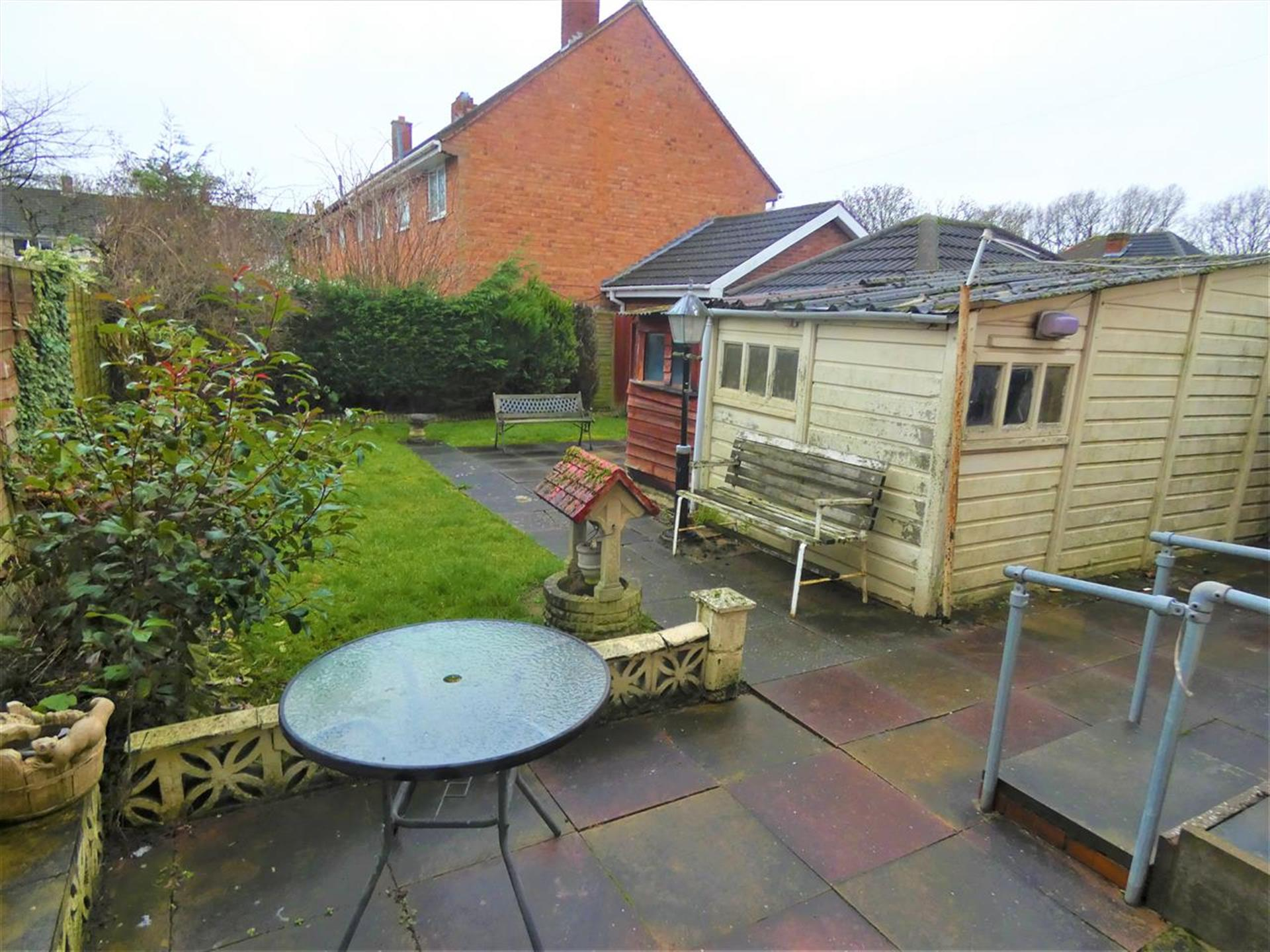 4 Bedroom End Terraced House For Sale - Gardens