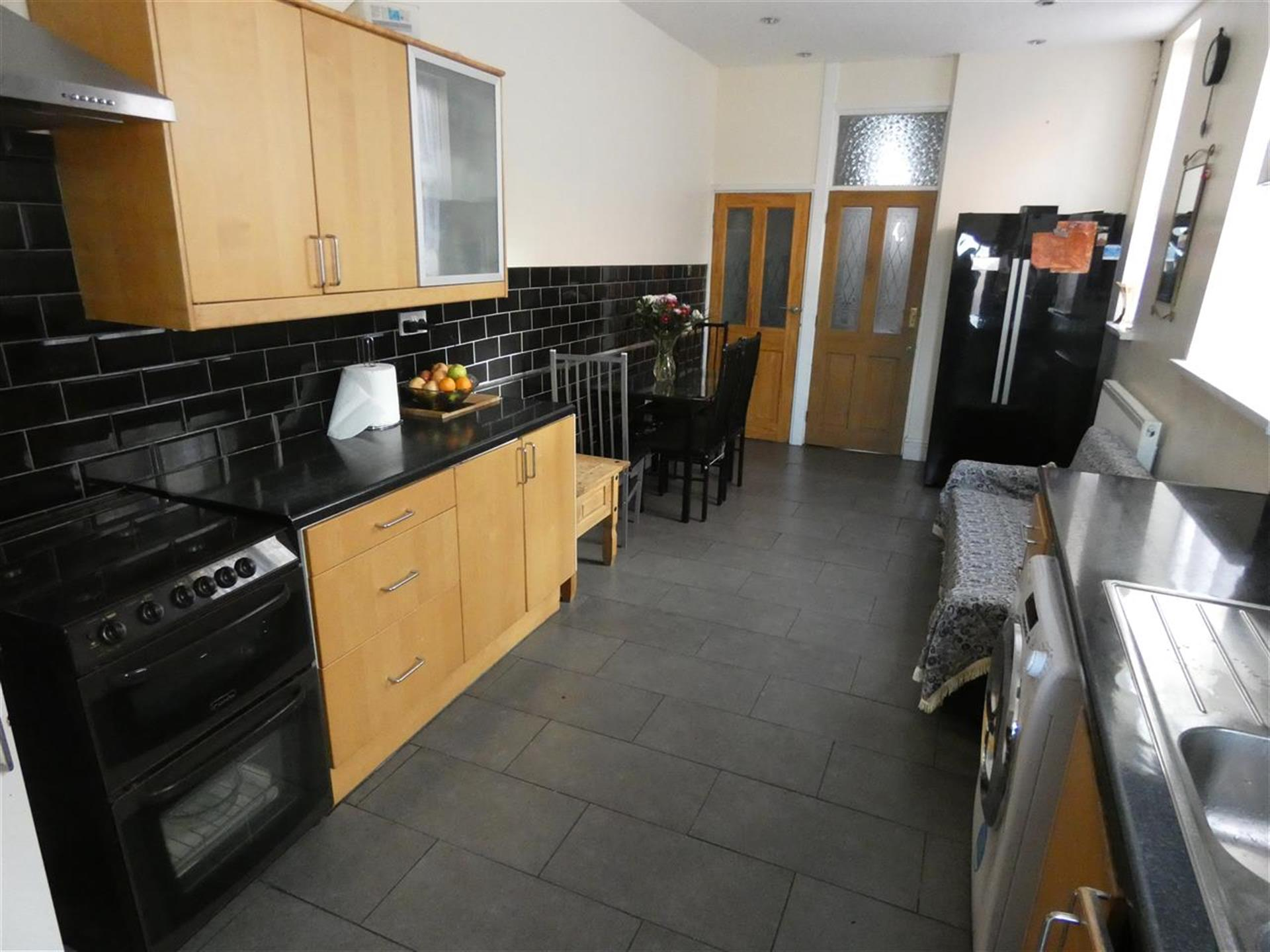 4 Bedroom Terraced House For Sale - Image 5