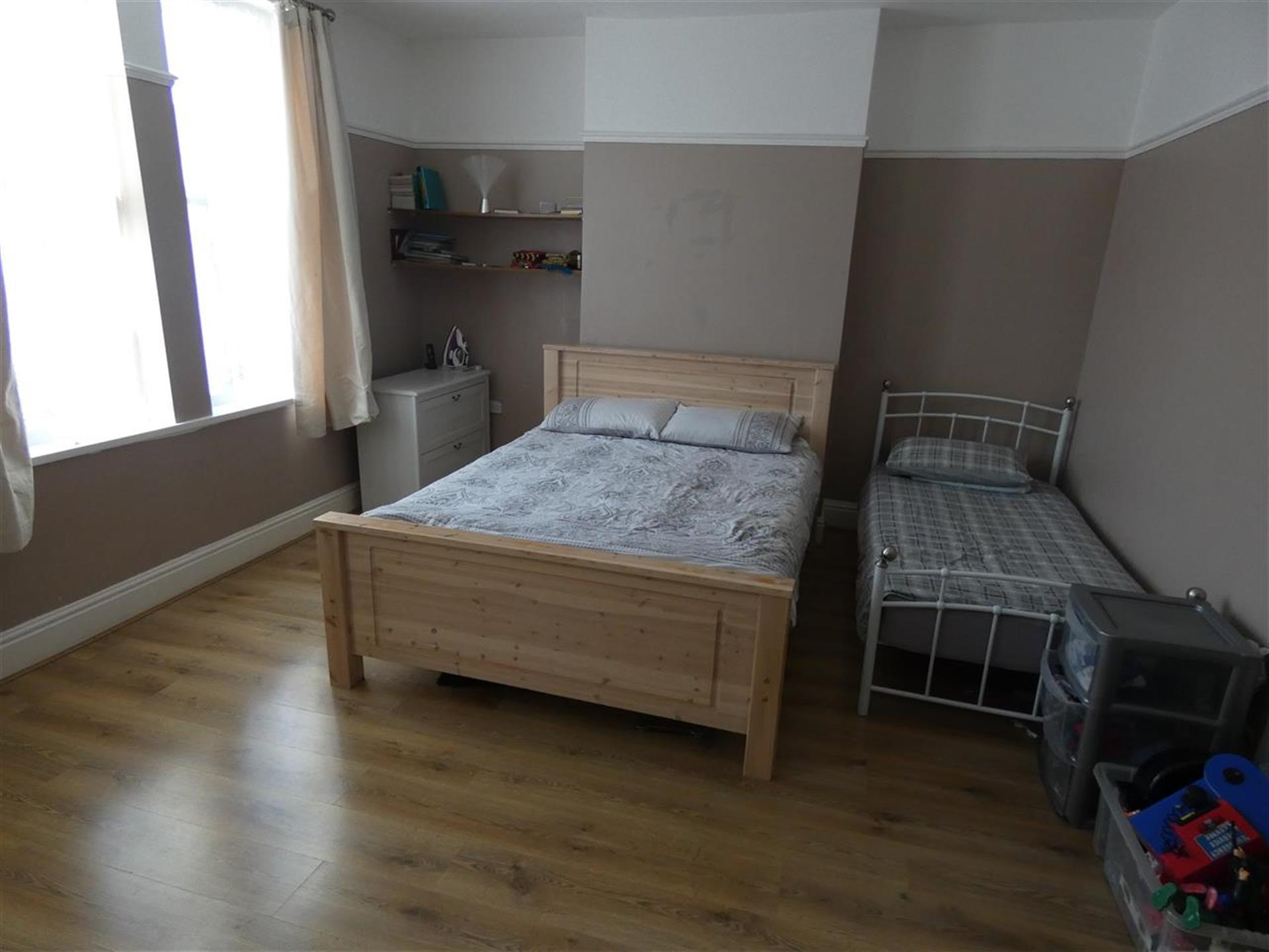 4 Bedroom Terraced House For Sale - Bedroom One